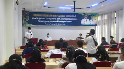 Wako Padang Panjang Buka Pelatihan dan Pendidikan Teknis Bendahara
