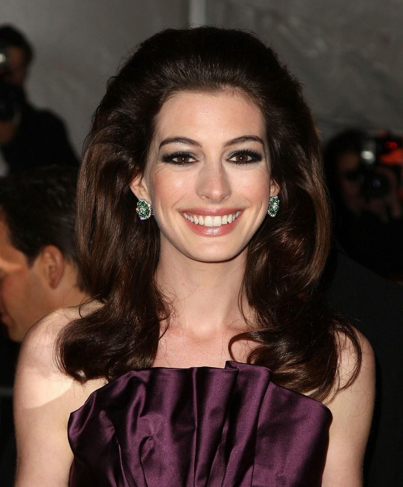 Anne Hathaway Eye Color: Anne Hathaway: Anne Hathaway Eyes