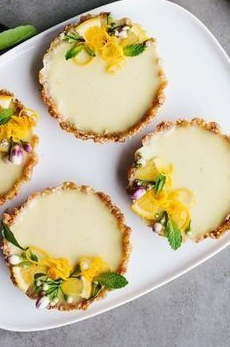 vegan lemon tarts – easy, no bake & ultra tangy!