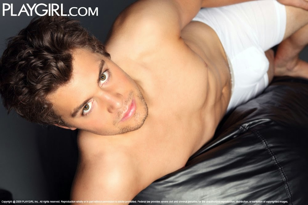 Play girl levi johnston pictures — photo 6