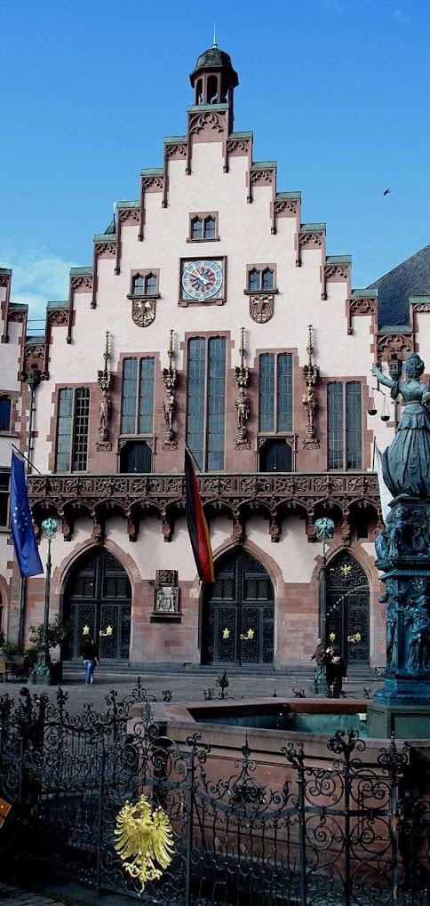 Palácio do Roemer onde aparecia o imperador eleito, Frankfurt ©Luis Dufaur