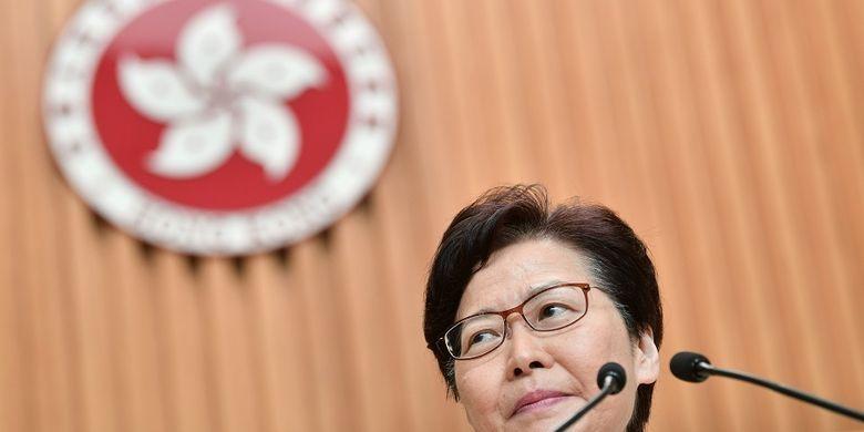 Carrie Lam Umumkan Bahwa Demonstran Dilarang Pake Masker
