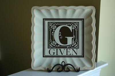 Custom vinyl monogramed plate