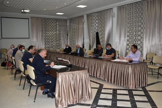 المهدية : جلسة عمل حول متابعة سير المشاريع الاستثمارية بالبلديات المحدثة بالجهة