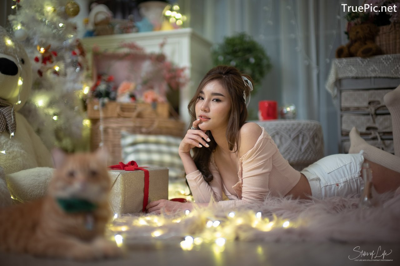 Image Thailand Model - Jarunan Tavepanya - Pink Croptop and White Short Pants - TruePic.net - Picture-8