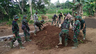 Semangat TMMD 105 Banyuwangi Membangun Desa tetap Terjaga Ditengah Hujan