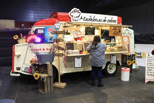 Cafetería rodante expuesta en el foro Food Truck en BEC!