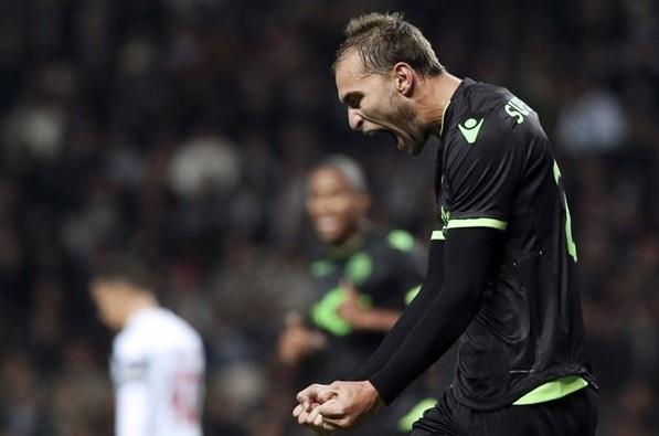 Sporting conseguiu uma grande virada para sair com a vitória sobre o Moreirense (Foto: Divulgação/UEFA)