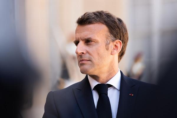 """Tribune des généraux : Macron critique en privé """"le vrai visage"""" de Marine Le Pen, """"celui des milices et des putschistes !"""""""