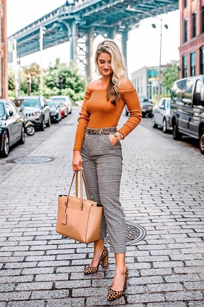 15+ Alternative Fall Outfits to Wear This Season | Sweater in Rust + Sam Edelman Leopard Print Sandals + Tory Burch Bag