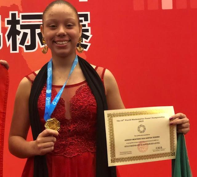 Brasileira ganha ouro em olimpíada de matemática na China