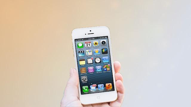 آبل ترسل تحذيرات لمالكي هواتف آيفون 5 تحث على تحديث النظام في أسرع وقت