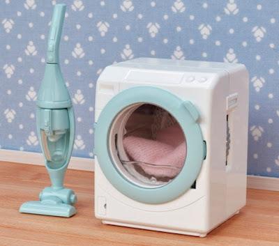 Стиральная машинка и пылесос для игрушек Calico Critters 2019 Laundry Vacuum Cleaner