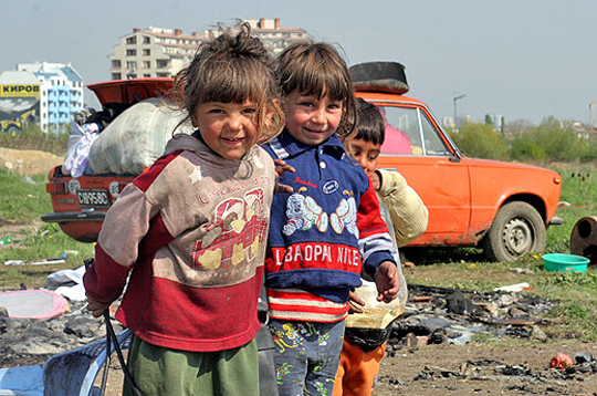 Are gypsies more white than Arabs , Turks , Armenians ?