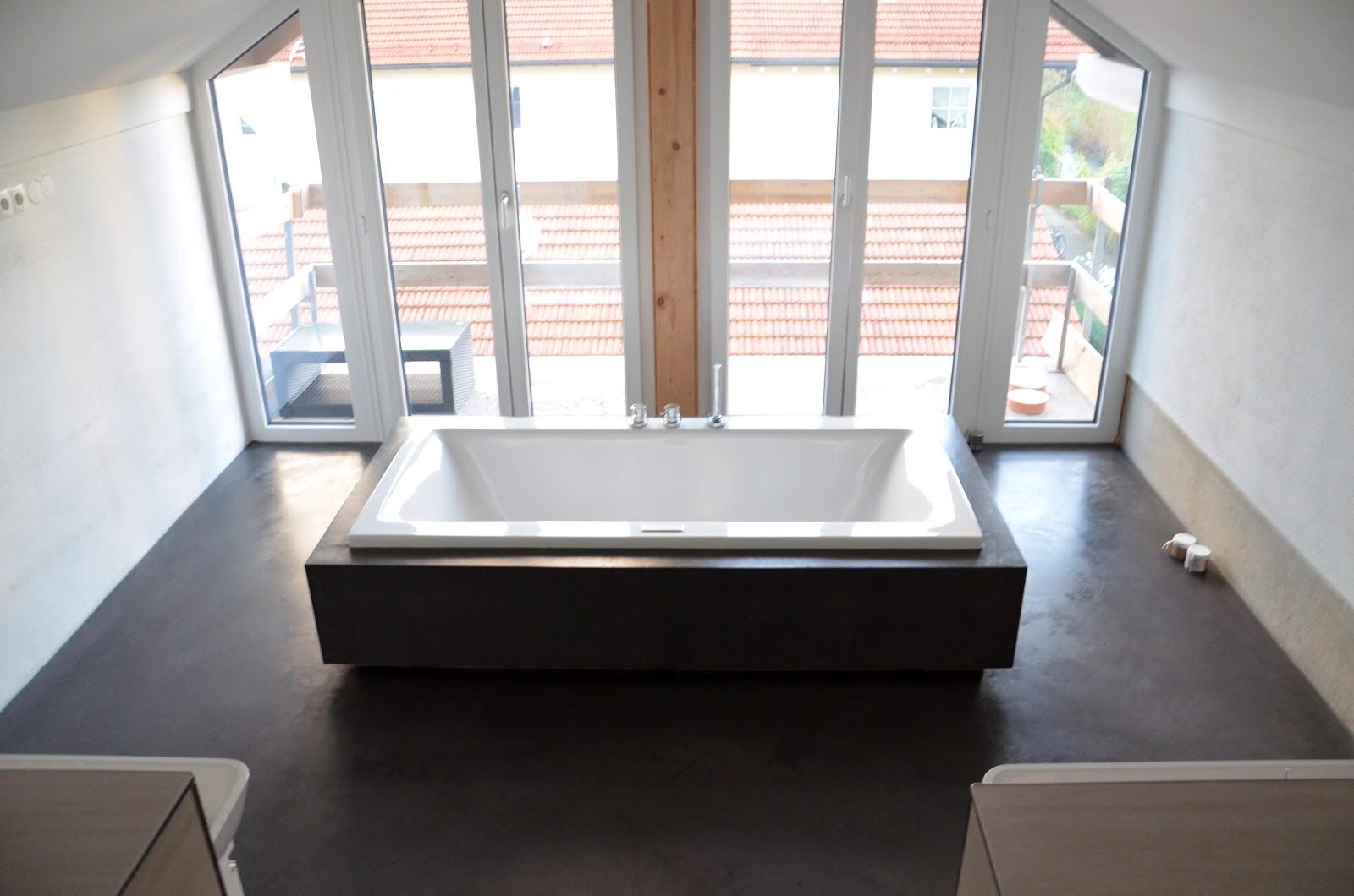 beton cire oberfl chen in beton look wannenverkleidung. Black Bedroom Furniture Sets. Home Design Ideas