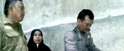 Personel Satpol PP dan polisi yang mengamankan 4 pelajar SMP pelaku mesum di Tanjungbalai.