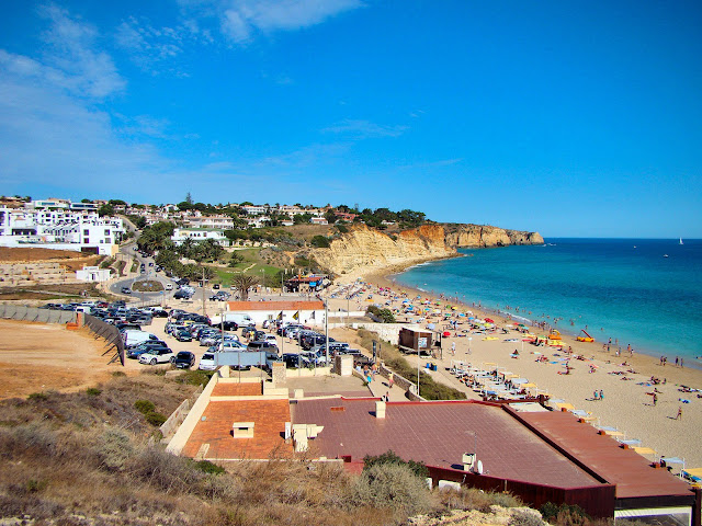 Algarve's beaches beckon to sun worshipers everywhere. Photo: WikiMedia.org.