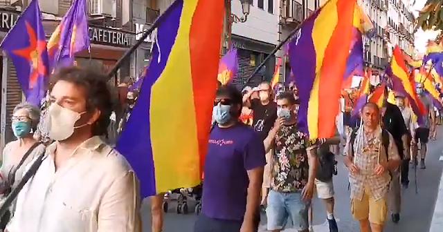 """La marcha republicana contra la """"monarquía corrupta"""" recorre las calles de Madrid"""