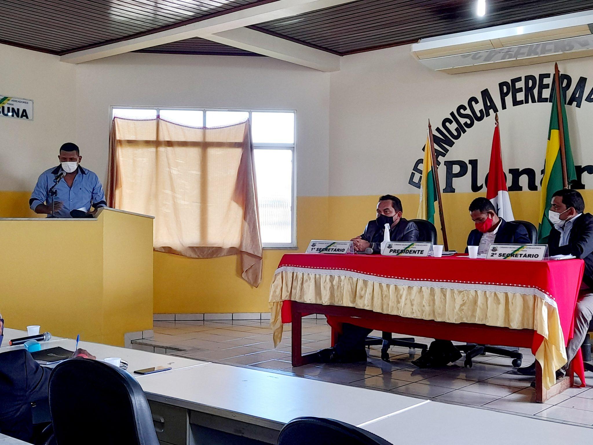 Contrato com 3 advogados em Curuá custa mais que o salário de todos vereadores da Câmara