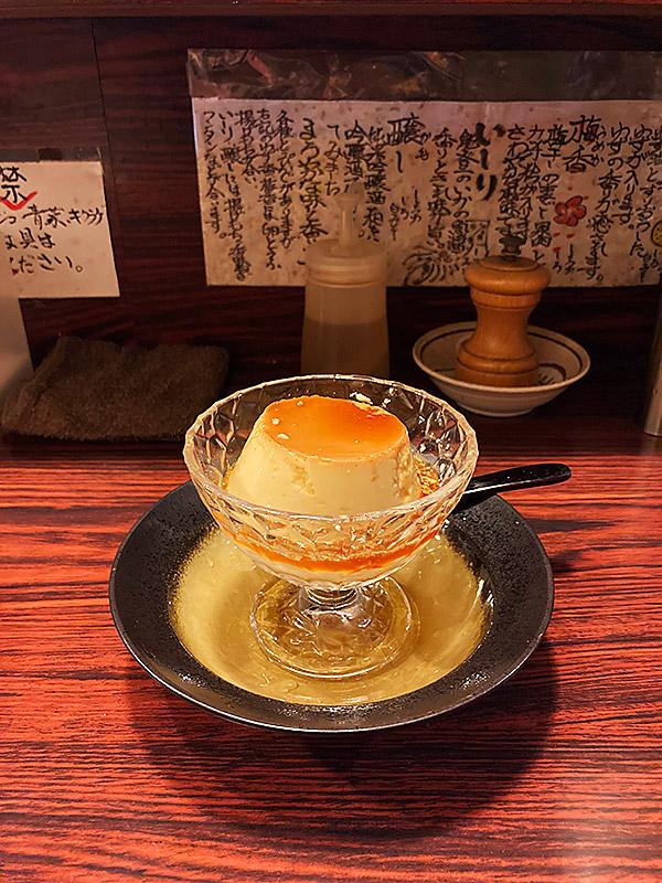 江東区大島の隠れ家ラーメン店『兼吉』の黒糖とラム酒を使ったこだわり固めプリン