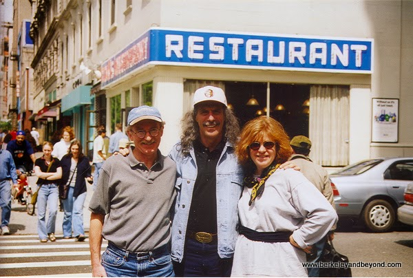 the Real Kenny Kramer in front on the famous restaurant in NYC