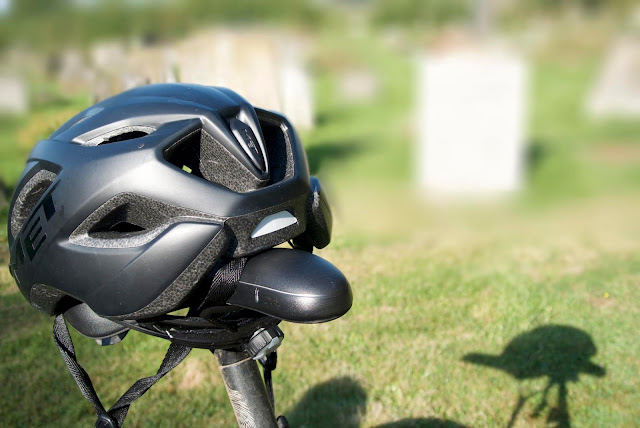 shadow of the cycle helmet