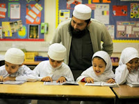 Di Inggris Wajib Berjilbab bagi Siswi SD Islam, Pro-Sekuler Mencak-Mencak
