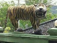 Setelah Viral, Dihancurkan, Kini Patung Macan Cisewu Lebih Garang