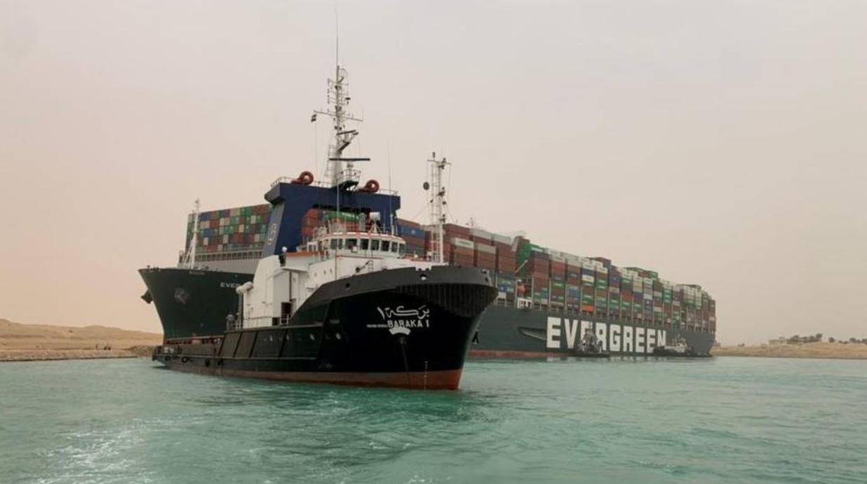 هيئة قناة السويس المصرية تثمن العرض الأمريكي لتعويم السفينة الجانحة