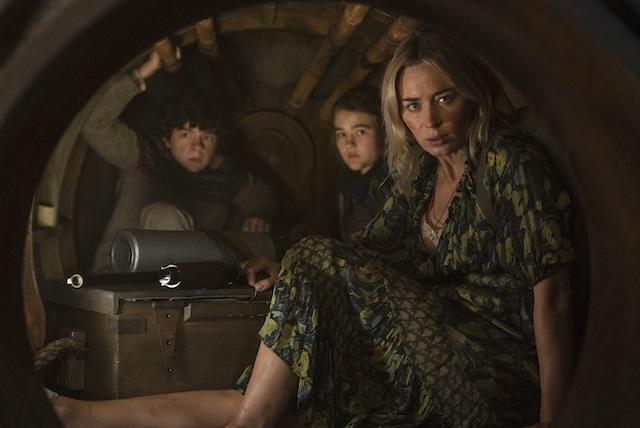 Noah Jupe, Millicent Simmonds y Emily Blunt. Fotograma de Paramount.