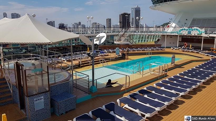Piscinas dos navios - Cruzeiros marítimos: tudo sobre viagem de navio