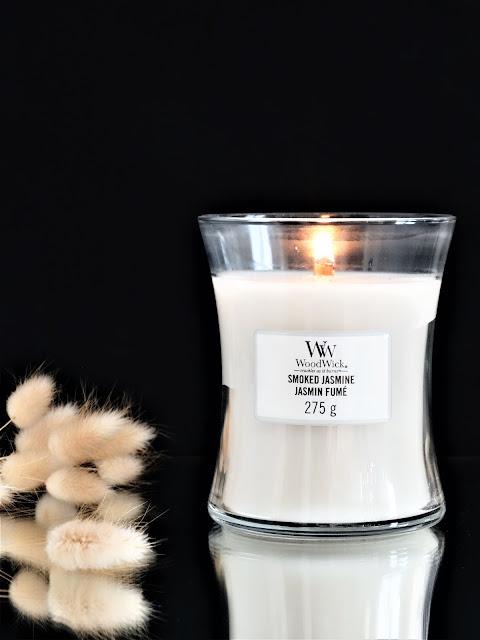 woodwick smoke jasmine candle, bougie parfumée qui crépite, parfum d'ambiance, parfum au jasmin, home fragrance