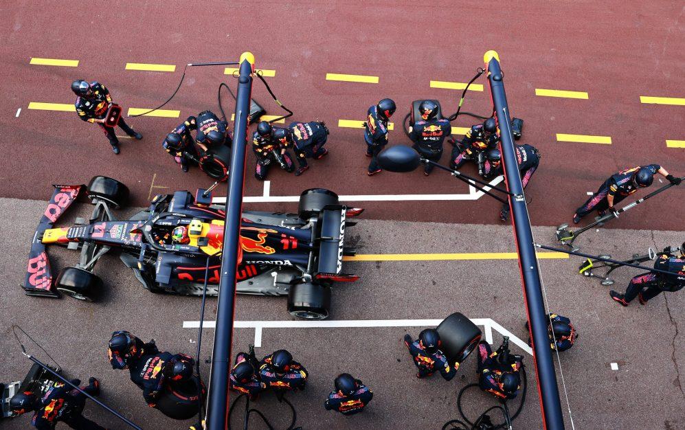A Red Bull jogou sua estratégia perfeitamente para permitir que Perez saltasse à frente de Hamilton e até P4 na bandeira, de seu slot da grade P8
