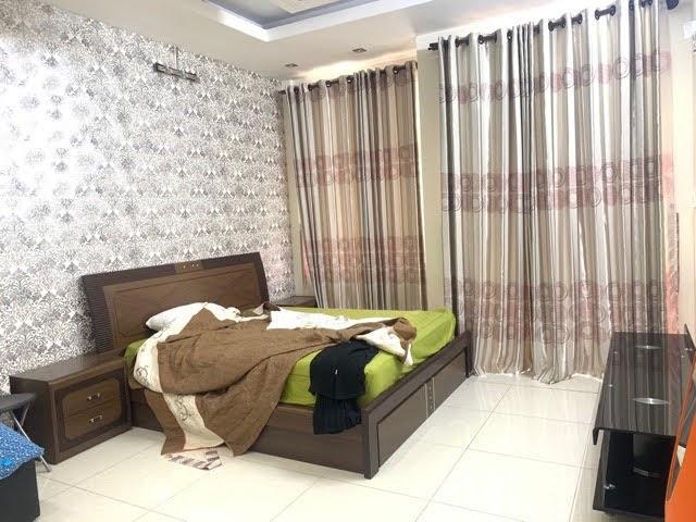 Bán nhà mặt tiền đường số Tân Quy, 7 phòng ngủ. Vừa cho thuê vừa cafe.