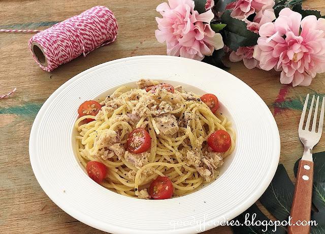 Tuna Pasta with Cherry Tomatoes recipe