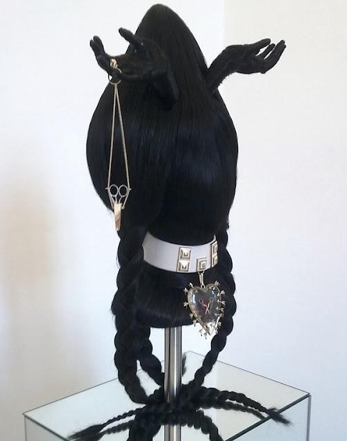 Delphinarium - Delfina Delettrez - Love is in the Hair