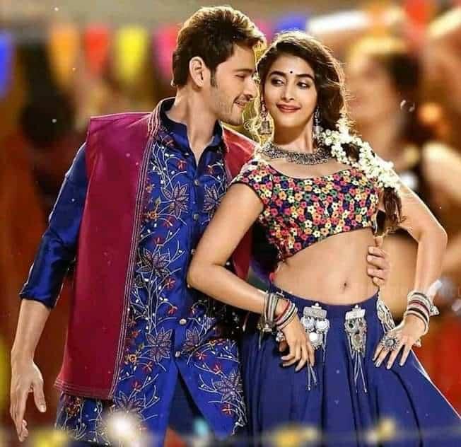 Pooja Hegde Sexy Navel Show