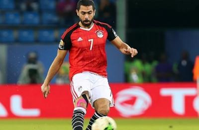 إصابة أحمد فتحي خلال مباراة الأهلي مع صندوانز  الجنوب أفريقي في دوري أبطال أفريقيا