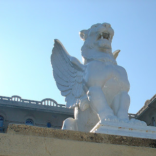 Close de Leão do Argentino Hotel, em Piriápolis