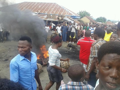 Notorious Armed Robber Set Ablaze By Angry Mob