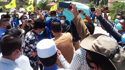Demo Mahasiswa PMII, Dewan Tanjab Barat Setuju Tolak Omnibus Law