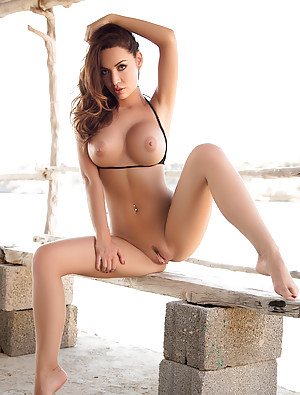 Sexy grils bikini pix nangi reply