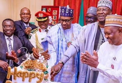 """""""They'll Soon Collect Loan Because Of This Cake"""" – Nigerians Blast Buhari Over Birthday Cake"""