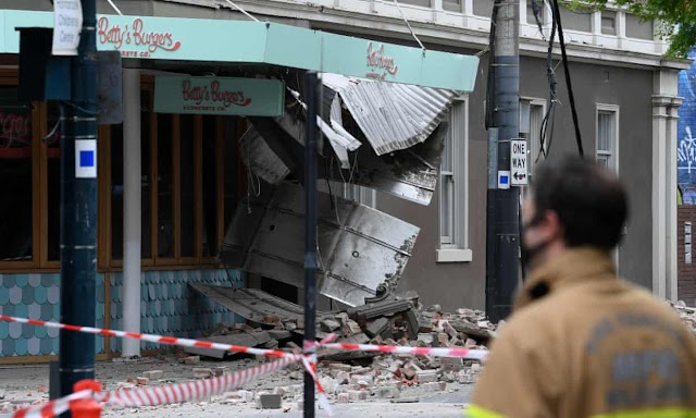 Melbourne shaked by largest earthquake in 200 years.