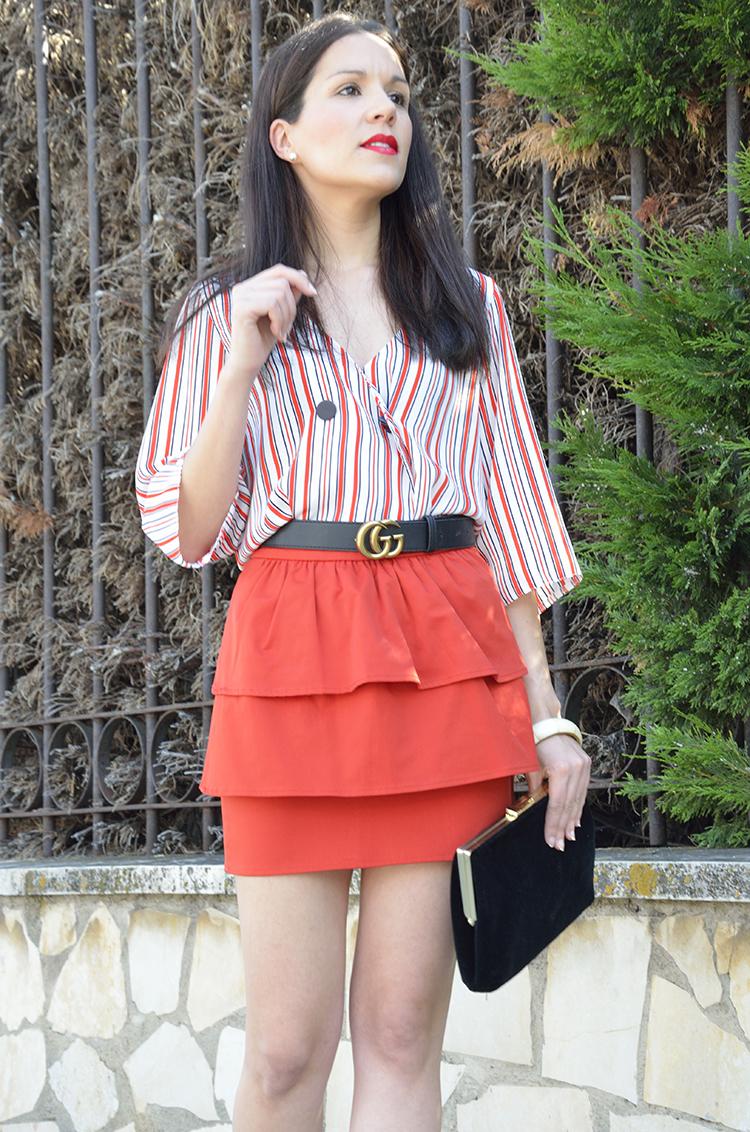 blusa_cropped_rayas_falda_volantes_verano_look_outfit