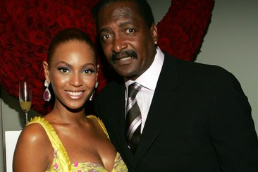Beyonce's Dad Gets Candid About Her One Weakness-watch video