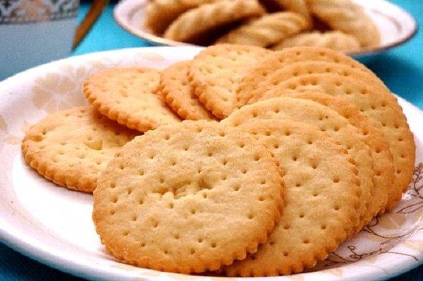 Method of making tea biscuits