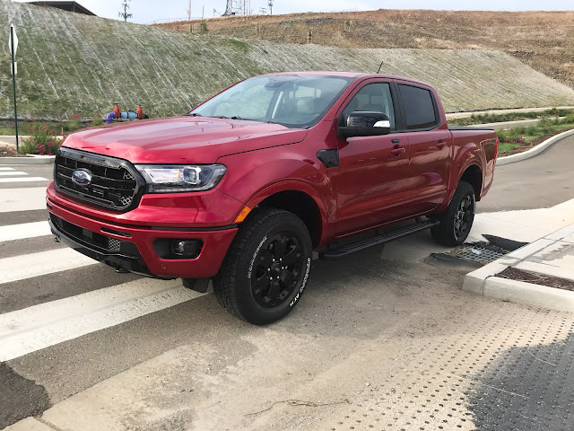 Front 3/4 view of 2020 Ford Ranger Supercrew 4X4 Lariat