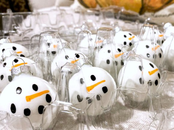 Easy to Make DIY Snowman Ornaments for Christmas
