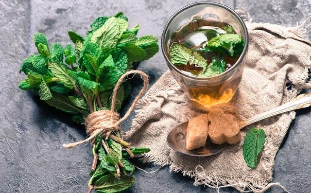 Γιατί το μαροκινό τσάι με δυόσμο αποτελεί το μυστικό όπλο για το δέρμα σας